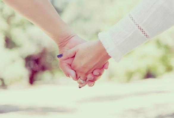 無料占いで二人の恋愛の結末を確かめて