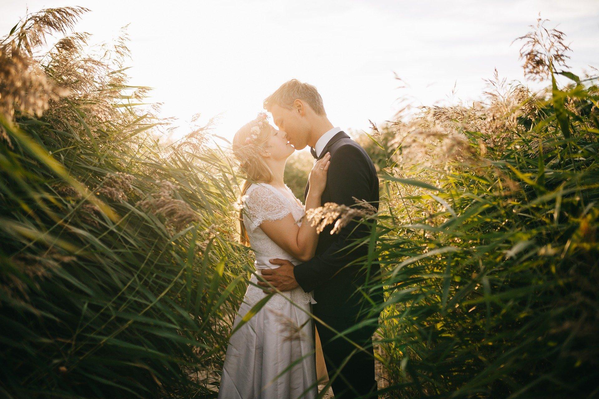 【無料あり】水晶玉子の結婚占い|あなたの婚期・運命の人・結婚相性までズバリ