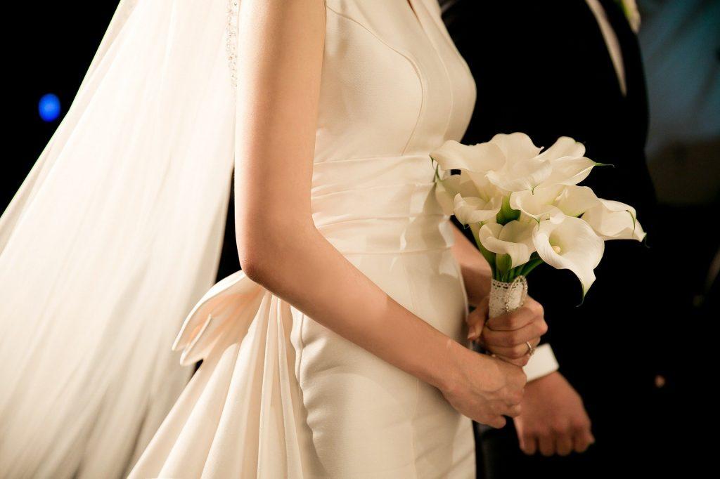【結婚したい人なら必見】結婚への近道は…?|あなたの婚期占いも